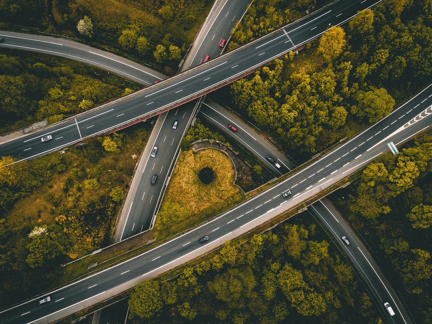 IoT Hits the Highway: 7 Trends Driving Us Toward Smart Cars